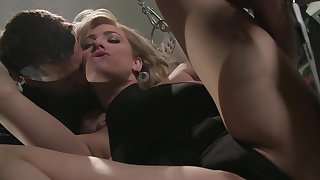 Guy's big dick suits chum around with annoy obedient MILF more than enough