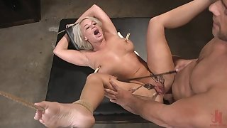 Rub-down the Dinner Party: Cheating Wife London River Gets Anally Creampied